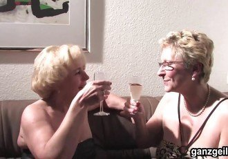 GanzGeil.com Sexy german grannies