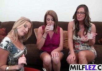 Very horny lez MILFS make out